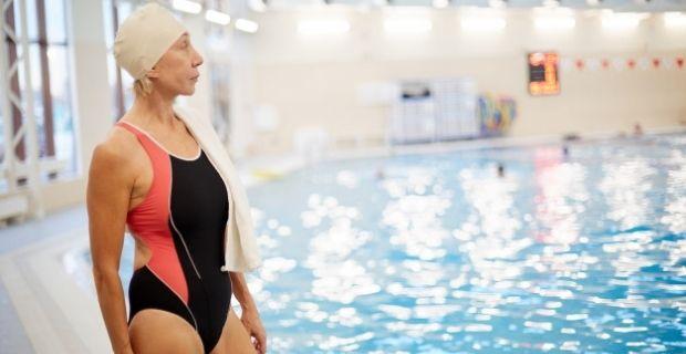 Femmes de plus de 60 ans : les maillots de bain vous vont très bien !
